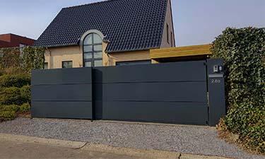 Moderne aluminium schuifpoort in Borgloon, Limburg