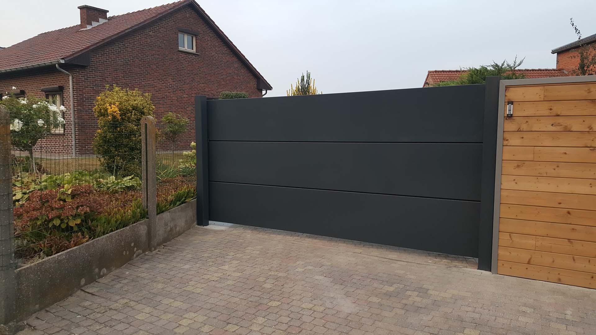 Design aluminium schuifpoort uit horizontale panelen Riemst